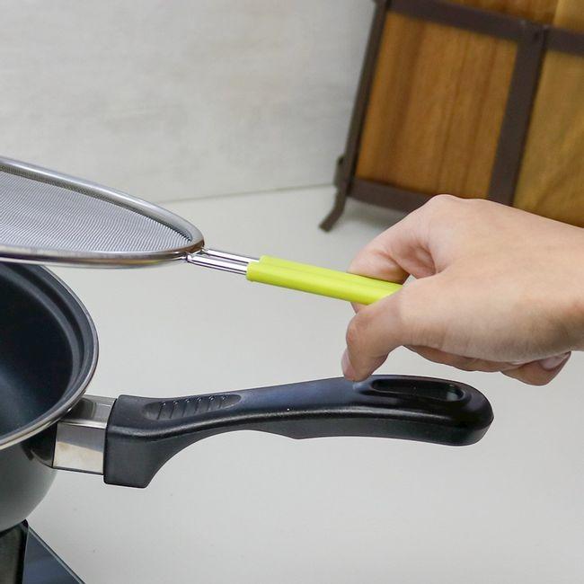 Tela-de-protecao-para-fritura-em-aco-inox-com-cabo-de-silicone