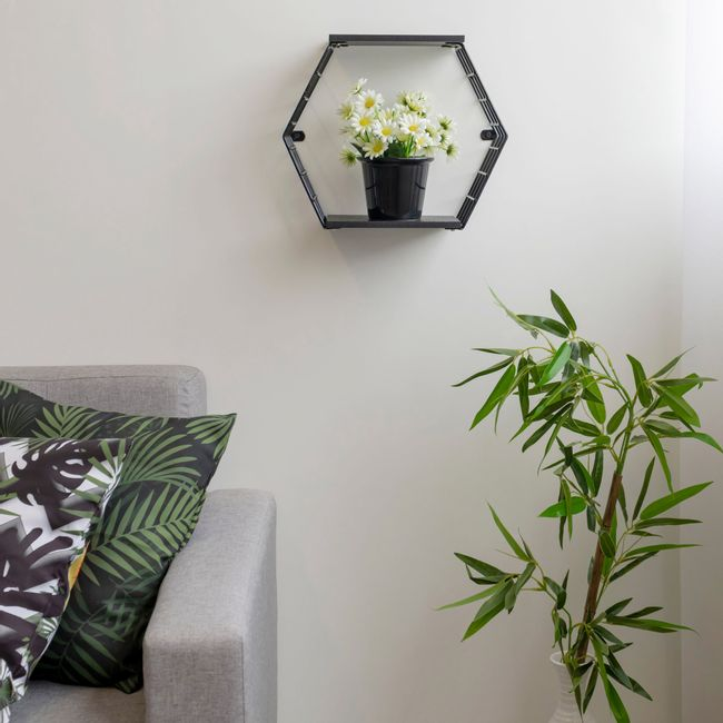 Nicho-decorativo-hexagonal-com-prateleiras---Linha-Wire---Aramado-com-madeira